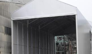荷捌き場テントとして通路や作業空間を有効活用 ③