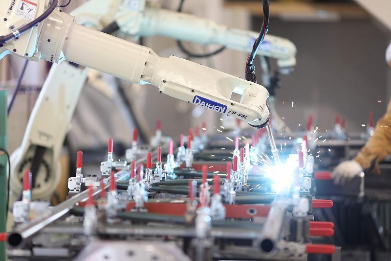 自動溶接ロボットによる溶接状況