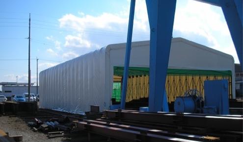 テント倉庫を広げた状態