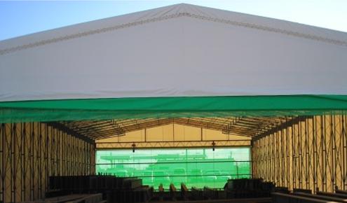 倉庫内の保管スペース